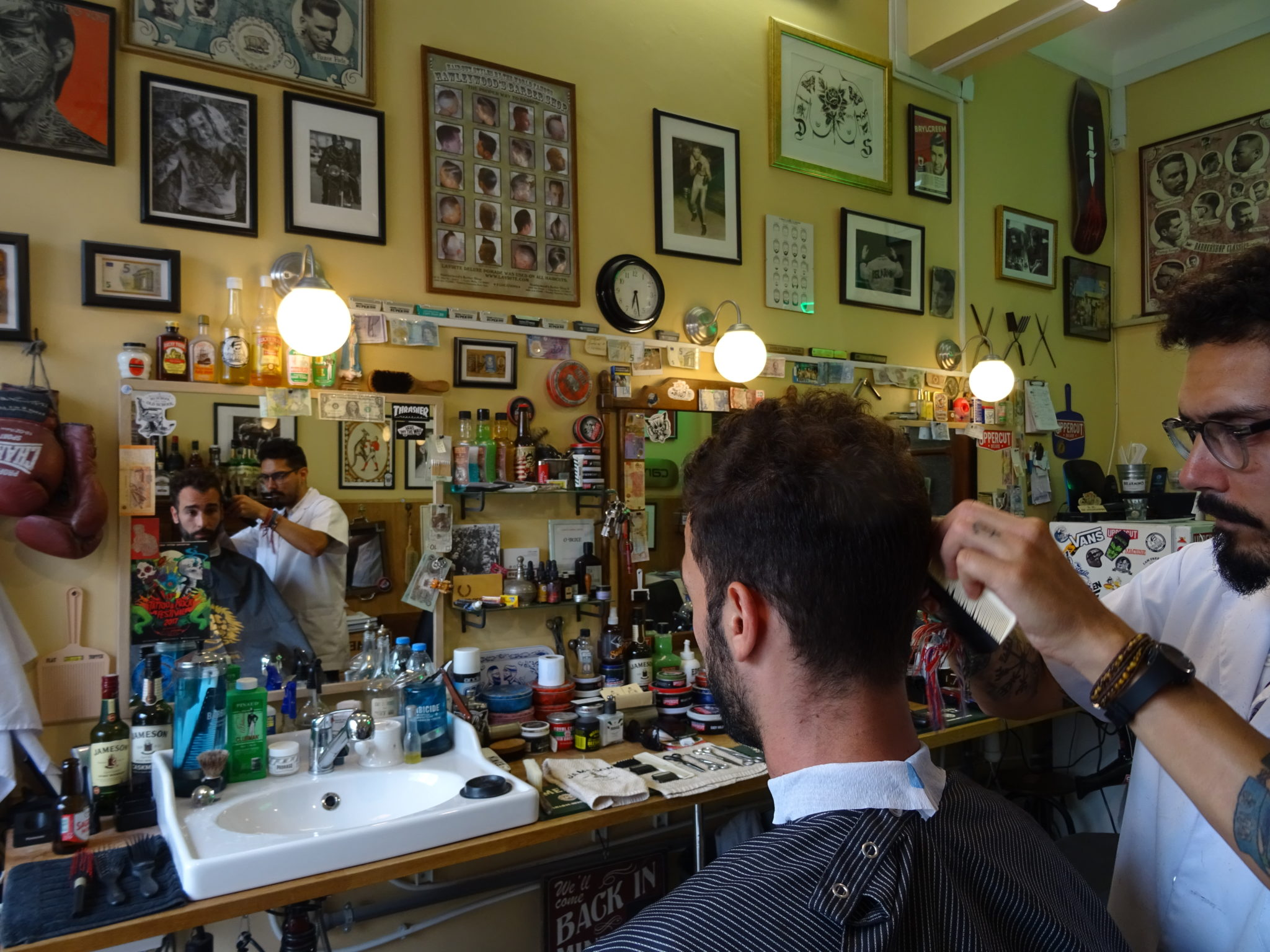 barber shop barbershop vintage classic haircut lisboa lisbon men barbe hair hairstyle