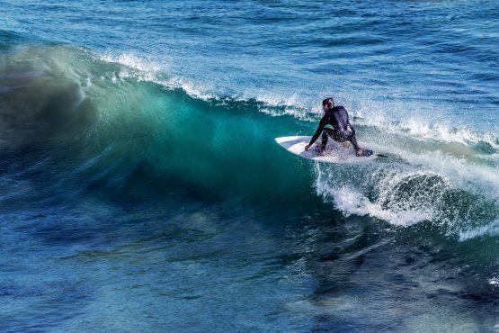 Surfing caparica